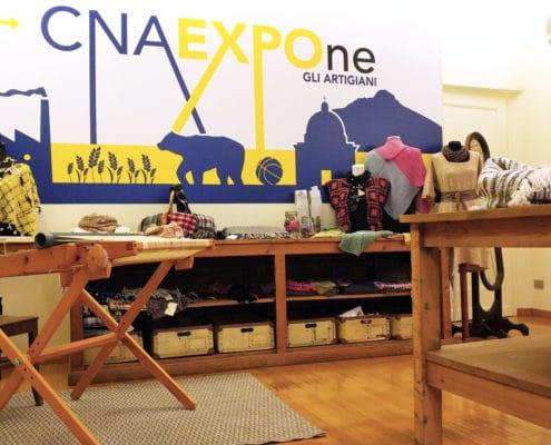 Allestimento di un negozio a tema artigianale nato da un progetto di CNA in collaborazione con gli artigiani