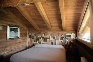 Vista interna della camera da letto del B&B La Casa di Paglia di Verrayes