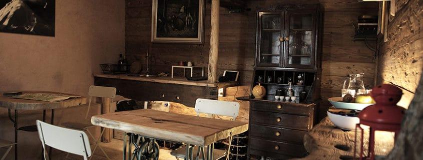 Taverna adibita a sala colazione per il B&B La Casa di Paglia di Verrayes