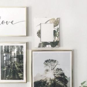 Cornice portafoto da parete realizzata con carta riciclata